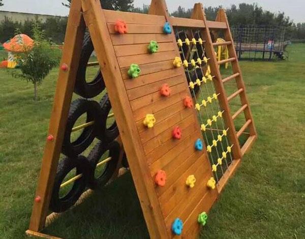 幼儿园木质攀爬墙 多功能攀爬训练组合