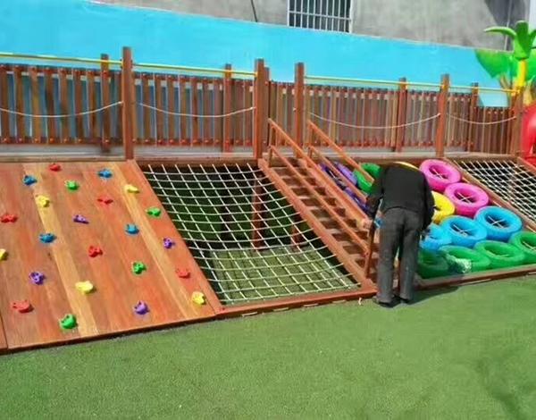 幼儿园户外木质大型玩具攀爬组合