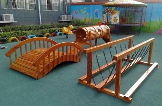 幼儿园感统训练荡桥有哪些特点呢?