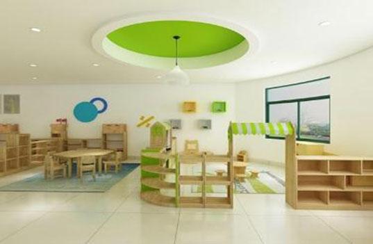 如何快速去除幼儿园实木家具中的异味?