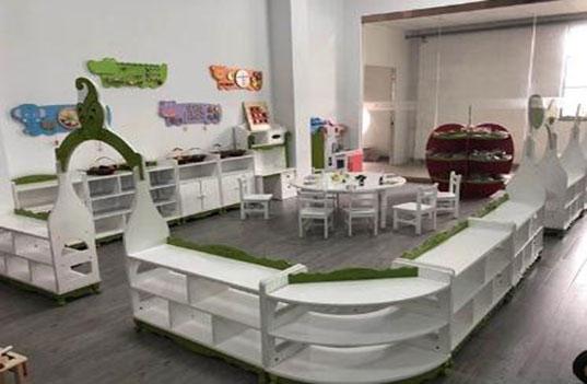 不合规的幼儿园木制桌椅家具对孩子有哪些影响?