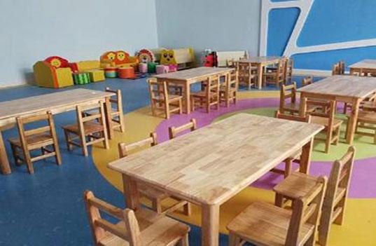 学生幼儿园木制桌椅家具色彩恰当搭配要合理