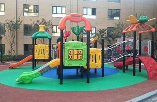 幼儿园大型户外玩具滑梯设计注意事项是什么?
