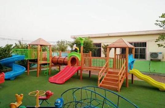 幼儿园户外大型滑梯玩具带给了孩子什么?