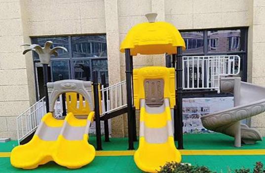 哪种幼儿园玩具滑梯组合更受幼儿园小朋友的喜爱?