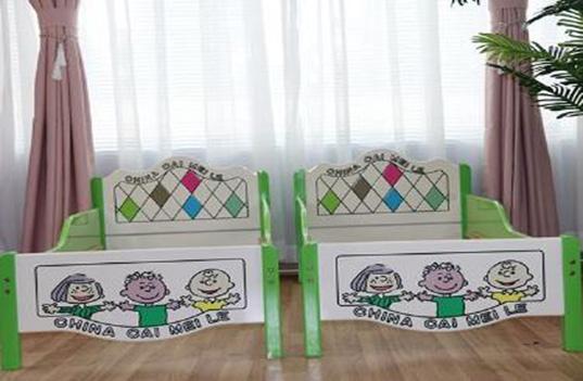幼儿园实木床如何正确的进行保养?