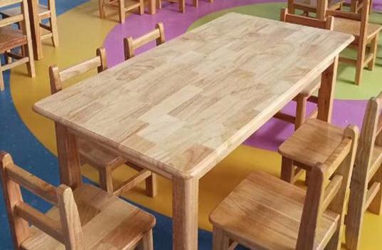 幼儿园实木家具部件开裂的原因有哪些?