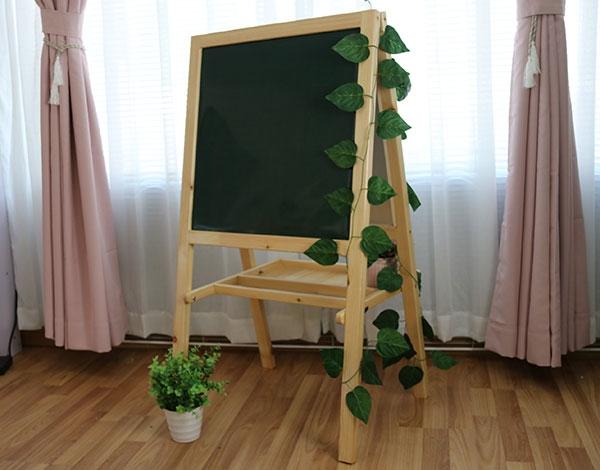 幼儿园实木家具移动黑板