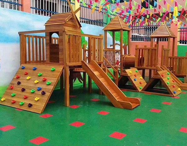 幼儿园大型实木攀爬墙滑梯组合