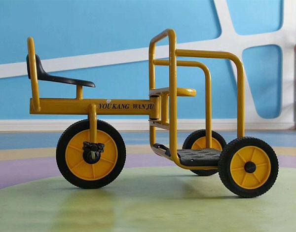 幼儿园儿童三轮脚踏车