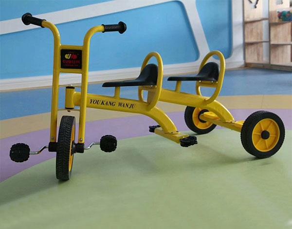 幼儿园实木双人三轮脚踏车