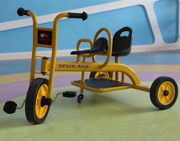 幼儿园实木三轮脚踏车